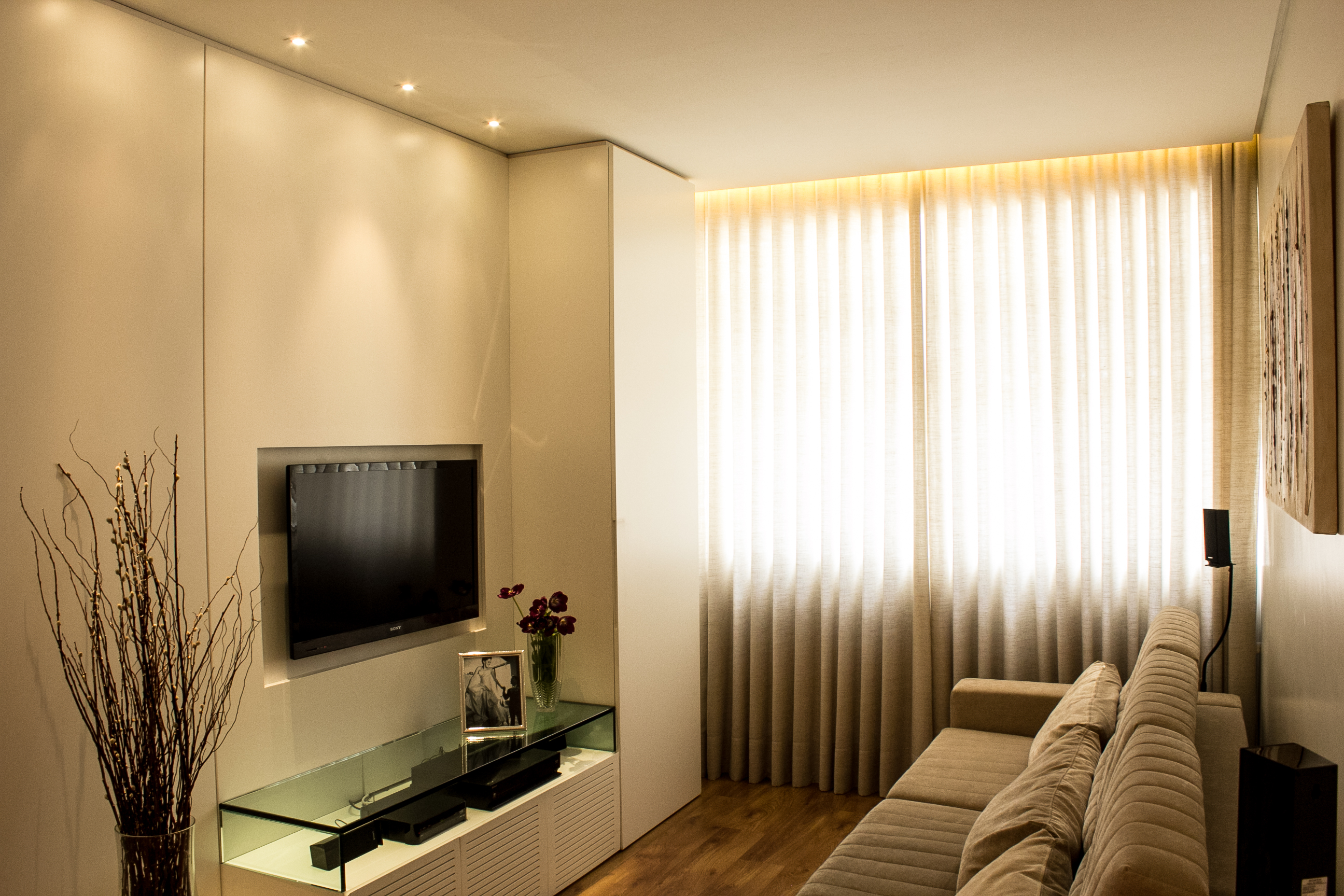 reforma de sala de estar em BH. Projeto arquitetônico para apartamento